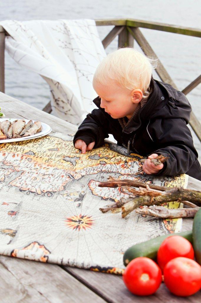 Pohjola for John Nurminen Foundation   Cotton 83%, polyester 17%