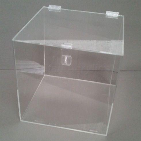 Clear acrylic lockable display box for use with a padlock Manufactured from crystal clear acrylic with polished edges for maximum aesthetic impact