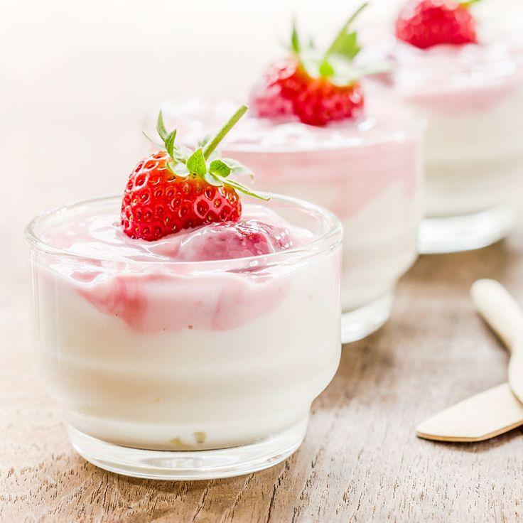 Rezept für ein schnelles Low Carb Joghurt-Dessert - ein einfaches Dessert-Rezept für eine kalorienarme, kohlenhydratarme Süßspeise ohne Zusatz von Zucker ...