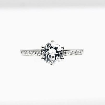 Petite Crown ring with white sapphire in Platinum