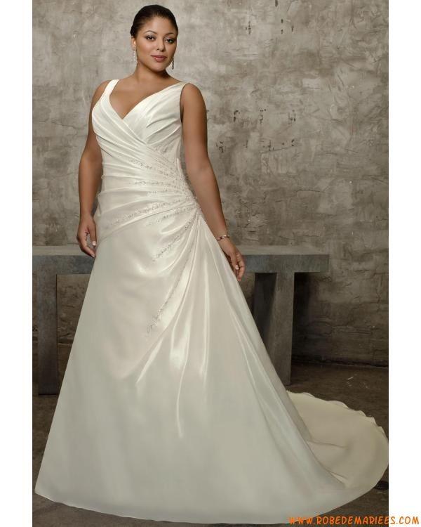 Robe de mariée grande taille col V drapes satin