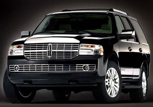 Lincoln Navigator 2011: Tiene como principales rivales al Nissan Armada, Chevrolet Suburban, Ford Expedition, Mercedes Benz Clase GL, Toyota Sequoia y el Cadillac Escalade