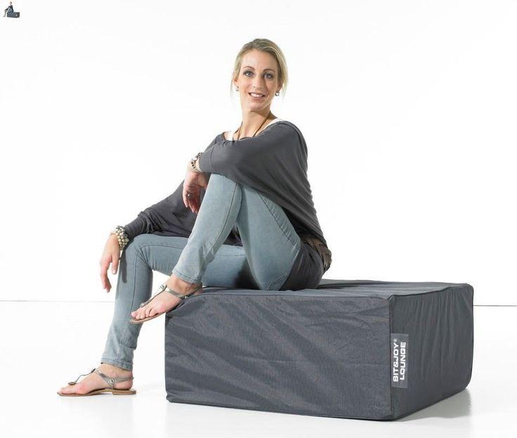 De vierkante zitpoef Cancun van Sit&Joy bied je de optimale rust na een lange vermoeiende dag. Door de gebruikelijke afmeting is het overal in je huis te plaatsen. Deze zitkussen is gevuld met FOAM vulling.  Specificaties:  100% nylon, waterafstotend obv Nano technologie FOAM vulling Indoor & Outdoor te gebruiken