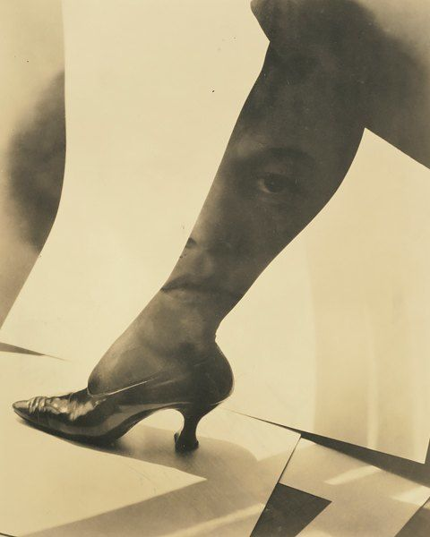 Dorothy True, in 1919, Alfred Stieglitz, $ 149.000. Dorothy True is considered one of the most significant works of the late period of creativity of the photographer Alfred Stieglitz American. ========================= Dorothy True, 1919, Альфред Штиглиц,$ 149.000. Dorothy True считается одной из знаковых работ позднего периода творчества американского фотографа Альфреда Штиглица.