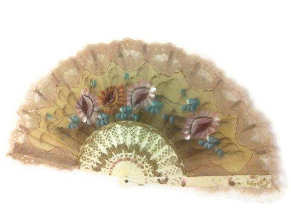 Vintage Spanish Hand Fan Lady's hand Fan Vintage by colonialcrafts, $39.00