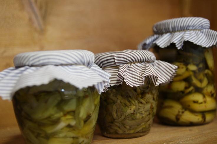 I nuovi prodotti di Terre Italiane: puntarelle, melanzane a fettine e zucchine grigliate, tutti sott'olio.