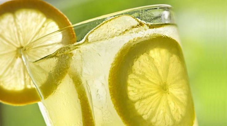 Per smaltire gli eccessi del week-end o sgonfiare la pancia il limone è un prezioso alleato: una dieta del limone, allora, può aiutarci nel