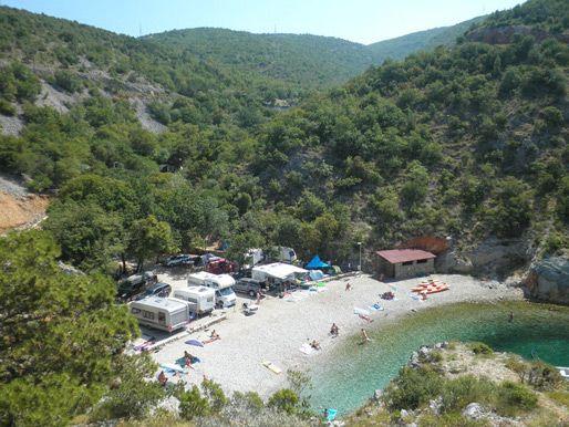 Camp UJCA - kroatië. kleine Camping - met staplaatsen tot net aan het privé strandje