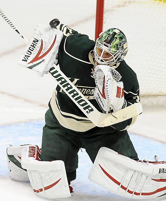 Minnesota Wild goalie Niklas Backstrom makes a pad save against the Chicago Blackhawks in the second period Wednesday at Xcel Energy Center. (Pioneer Press: John Autey)