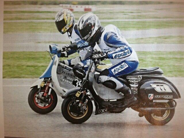 Vespa race