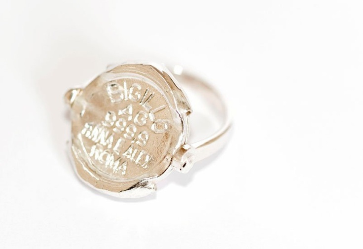 Sigillo ring with revolving 999,9 seal.. www.annaealex.com