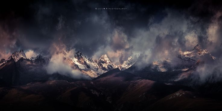 Tibetan snow capped mountains  《神山肖扎》 by Qiye 赣州柒爺 - Photo 210245409 / 500px