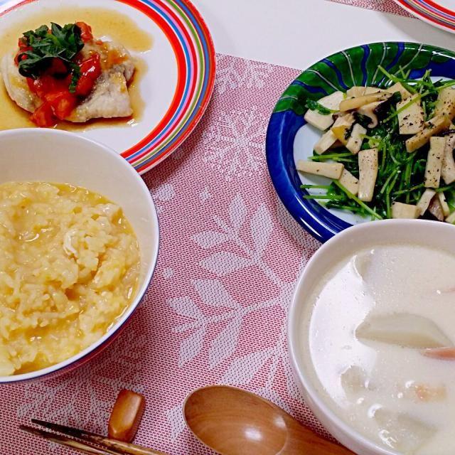 昨日飲みすぎたので、クリスマスですが和食にしました(^_^;) - 11件のもぐもぐ - 今日の夕食 かじきのソテー・トマトポン酢かけ、豆苗とエリンギの塩麹炒め、卵入りおかゆ、かぶの白だし豆乳スープ by pinkironohiyoko