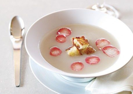 Неделя французской кухни: суп-пюре из топинамбура и маринованного редиса
