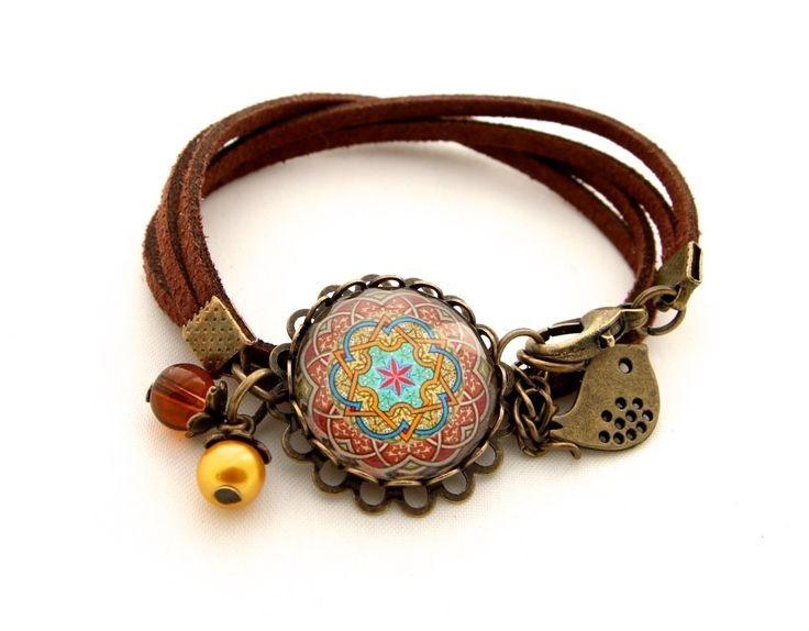 bracelet suédine marron romantique mandala, rouge, cabochon : Bracelet par romantique-pastel