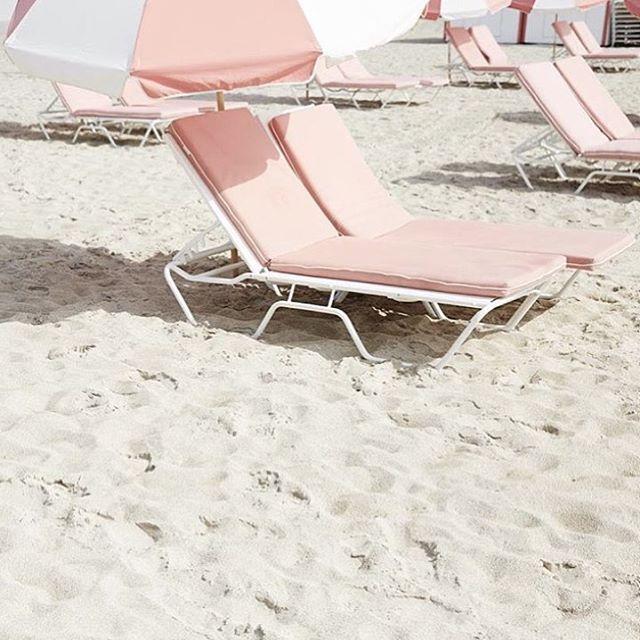 pastel beach days