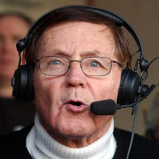 Van Miller, Longtime Radio Voice of Buffalo Bills, Dies at 87 - The New York Times