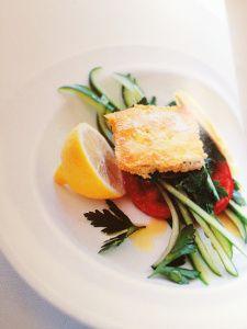 Salade met Gebakken Feta, tomaat, komkommer en Kruiden ; recept Donna Hay