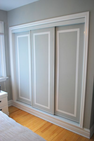 Love the painted closet doors! Might do this in my room to cover up the ugly dark brown doors.