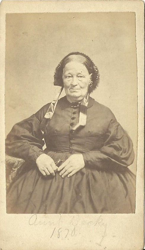 Lesbian milf servant
