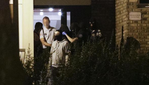 Bonbonnes de gaz : le commando terroriste féminin a échoué de peu à frapper Paris http://vdn.lv/dCZDg7