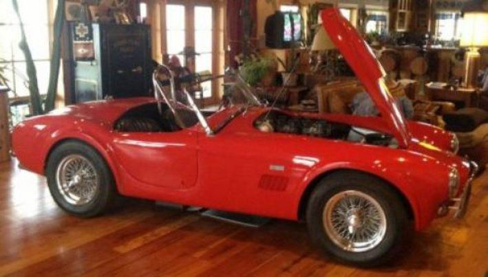 1962 Shelby, Cobra  850000.00 USD  If you've been watching auction prices of original Shelby Cobras, you saw a CSX2000  series sell in Scottsdale for $1,320,000 in January of this year Link. Here's an opportunity to  own one for just over half that amount. On rare occasions, we have an opportunity to uncover a significant piece of car history. This is one of those occasions. You're looking at one of the  ..  http://www.collectioncar.com/detailed.php?ad=51172&category_id=1