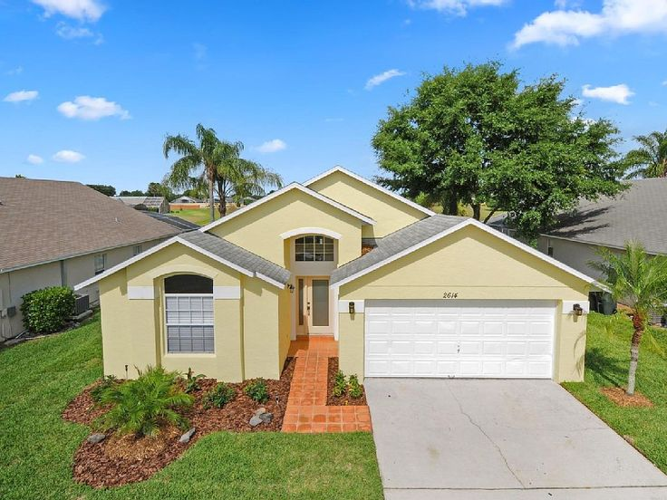 «The Star Lake Villa» is located in the prestigious area of Rolling Hills Estates at Formosa Gardens. This brand new renovated villa enjoys the status of being on one of the closest residential community to the magical Walt Disney World, just 3 miles drive to the Walt Disney World front gates. http://www.theluxuryvillasorlando.com/Page_2.html / VRBO: https://www.vrbo.com/705718
