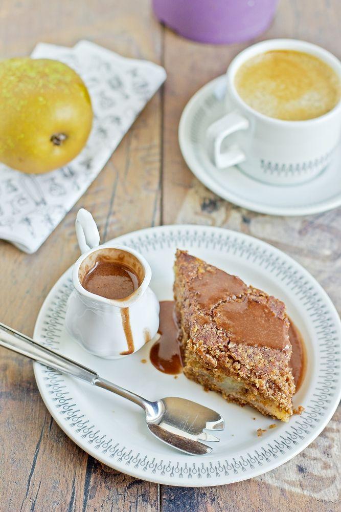 Zielenina: Wegańskie, bezglutenowe ciasto czekoladowe z gruszkami dla sklepu ekologicznego Green Family
