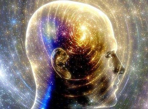 Лечение силой мысли? Роль правильных установок ======================================== Люди страдают не от того, что происходит, а от своего отношения к происходящему. Поэтому человек, который в душе уверен, что он болен, – будет болеть. Дух человека является основным стимулятором к его телесному оздоровлению. Положительные мысли, позитивные чувства – эта та основа, без которой невозможно стать здоровым, какими бы радикальными и универсальными способами оздоровления вы ни пользовались…