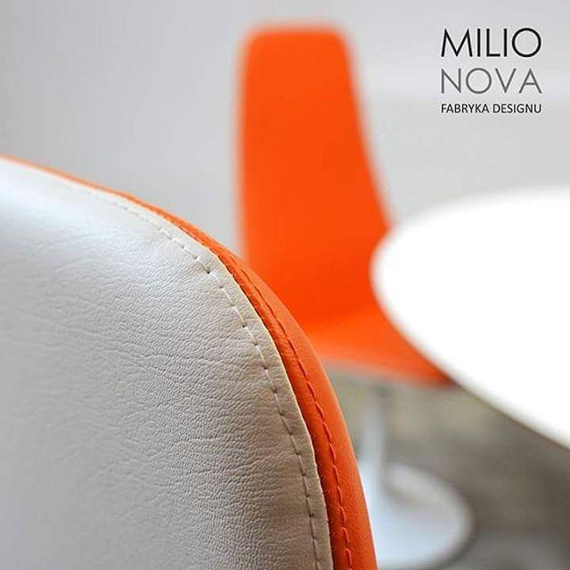 Kolor pomarańczy idealny na tą porę roku ;) Aerodynamiczny projekt VIGGEN, wykreowany przez założyciela Johanson Design AB - Borje Johansona. Zestaw prezentujemy w naszym showroomie!  #johanson #johansondesign #milionova #viggen #kolorpomaranczy #ldz #lodzdesign #milionovadesign #design #meble