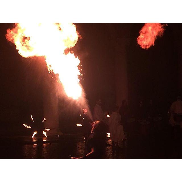 @annabonazzaph #rinascife2016 #mangiafuoco #fuoco #fuego #spettacolo #contrade #annabonazzaph #photo #photographer #igersferrara #rinascimento #carnevale2016 #carnevalerinascimentaleferrara