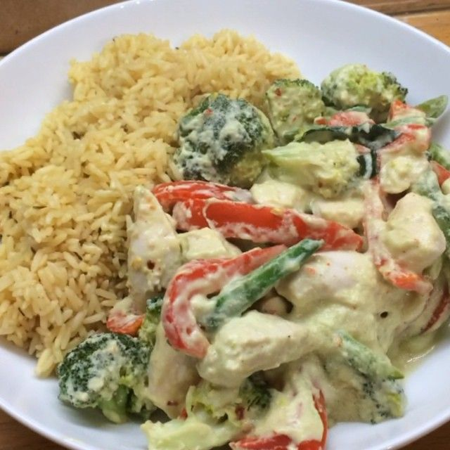 Creamy avocado chicken with rice