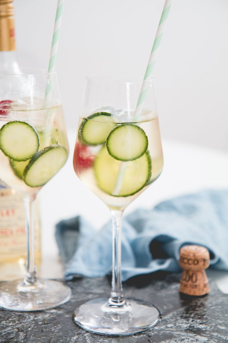 Bubbly Friday: Lillet Spritz | The Daily Dose