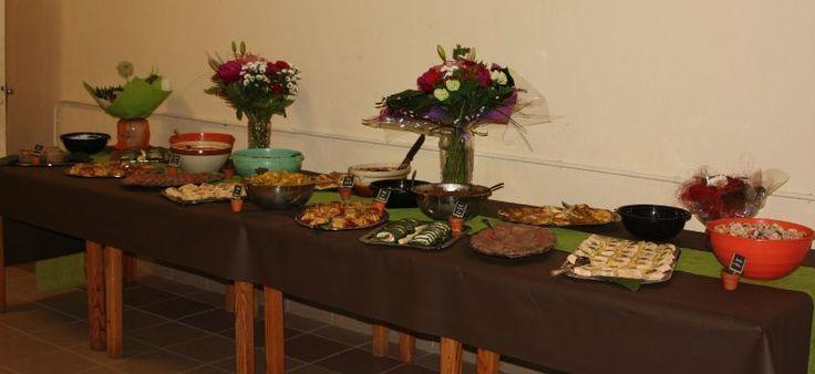 Suite et fin du repas que nous avons organisé pour l'anniversaire de notre ami. Il nous a été demandé un buffet froid pour qu'une fois les...