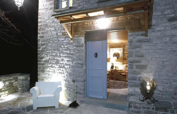 Grecja - biały fotel Bubble Club proj. Philippe Starck