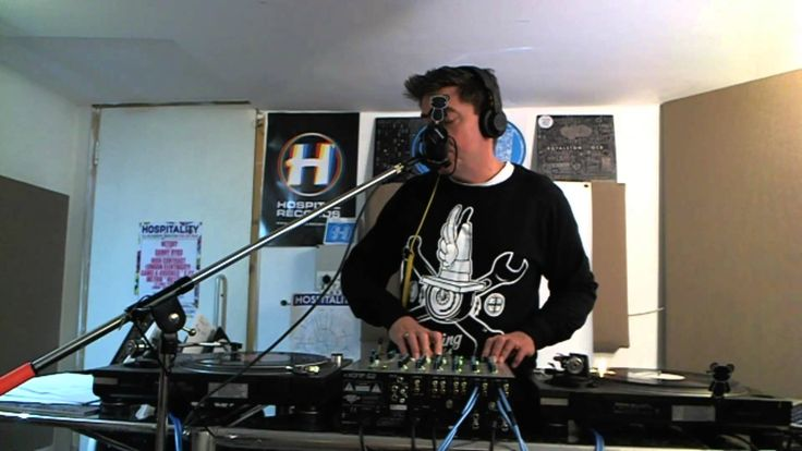 Hospital Podcast 223 with London Elektricity - melodicthriftychic.com/music-blog - (Melodic, Thrifty & Chic Music Blog) Going on break! Music will be back 9/29!  - Enjoy this #drumandbass mix by London Elektricity! #nowplaying #dnb #dnb4life #MusicMonday