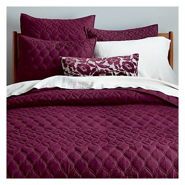 West Elm Mid-Century Circlet Ogee Quilt, Full/Queen, Burgundy ($129) ❤ liked on Polyvore featuring home, bed & bath, bedding, quilts, west elm bedding, maroon bedding, west elm, textured bedding and mid century bedding