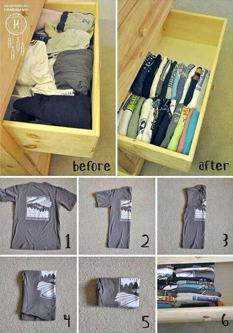 Organización de blusas y playeras en un cajón