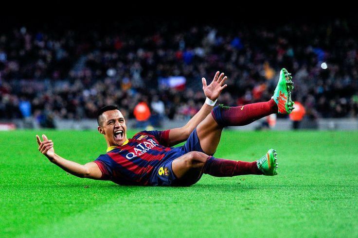 La celebración de Alexis tras marcar su tercer tanto