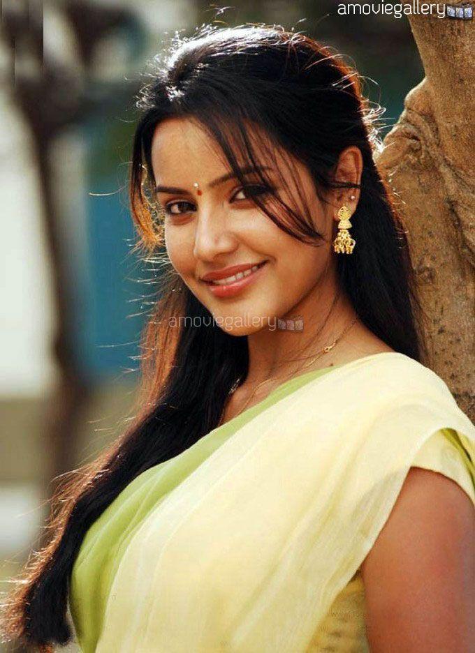 Priya Anand #Kollywood #Actress #Fashion #PriyaAnand