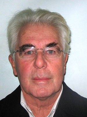Guilty Max Clifford takes final photo before going to jail