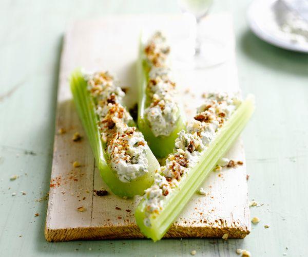 Pour l'apéritif : branches de céleri farcies au fromage