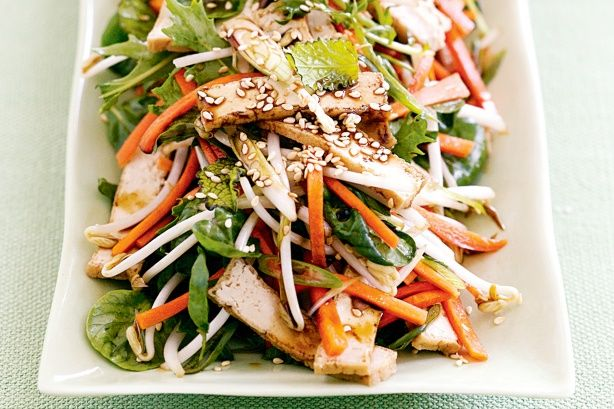 Teriyaki Tofu Salad - Enjoy this healthy and delcious Teriyaki tofu salad for lunch or dinner. See notes section for FODMAP diet tip.
