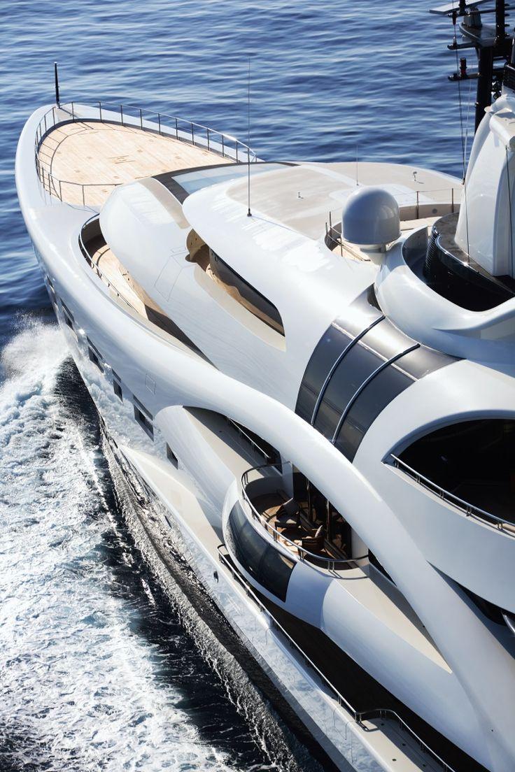 Luxury Yacht - AJ MacDonald - Yacht Broker - aj.macdonald@alliedmarine.com @blohmvossyachts