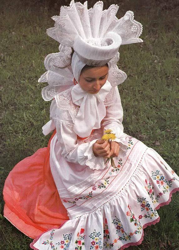 """Folk costume from region of Biskupizna, Poland. Source: """"Strój Ludowy w Polsce"""" by Stanisław Gadomski."""