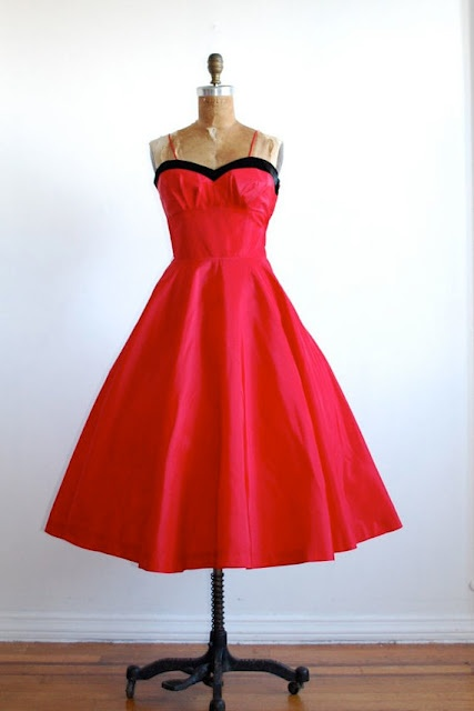 1950s red dress with black trim