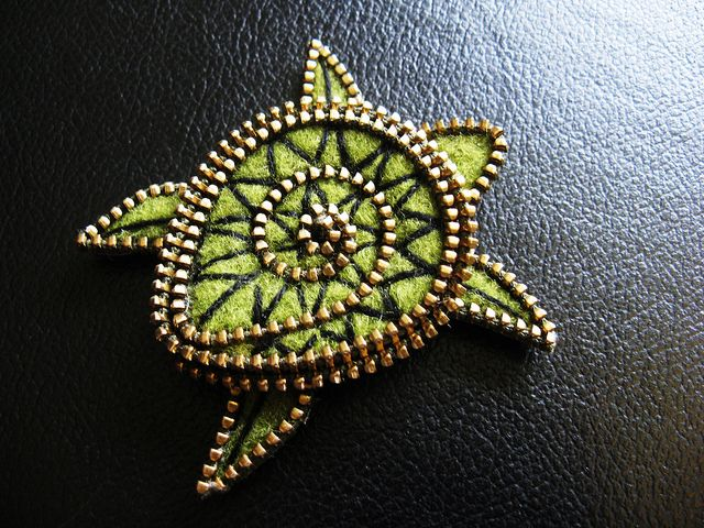 Jewelry inspiration. Zipper and felt Sea turtle by woolly fabulous, via Flickr