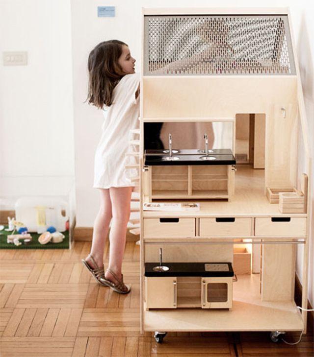 Modern Doll Houses: Liliane doll house