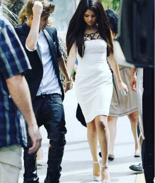 Justin Bieber shared a cute throwback photo of himself and Selena Gomez holding…