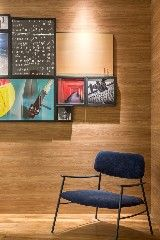 Ao pensar em um espaço multiuso, compacto, para morar e trabalhar, o escritório BEP Arquitetos Associados, formado por Bruno Lins Amaral e Taíza Greca, na CASA COR Brasília 2015, projetou o Studio …